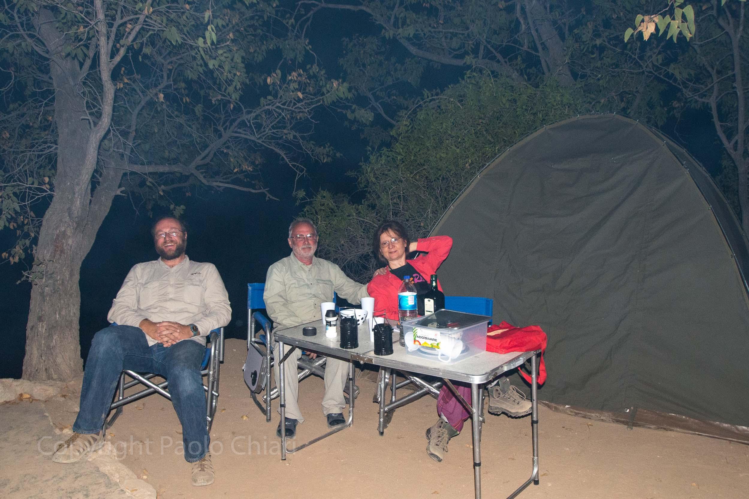Davanti alla tenda: Emanuele, Paolo e Patrizia